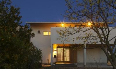 外観夜景|M邸・スタイリッシュな和の家