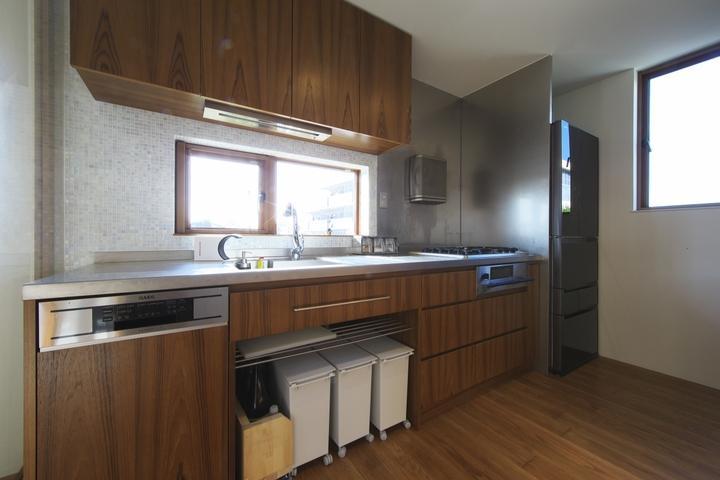 M邸・スタイリッシュな和の家の写真 スタイリッシュなキッチン