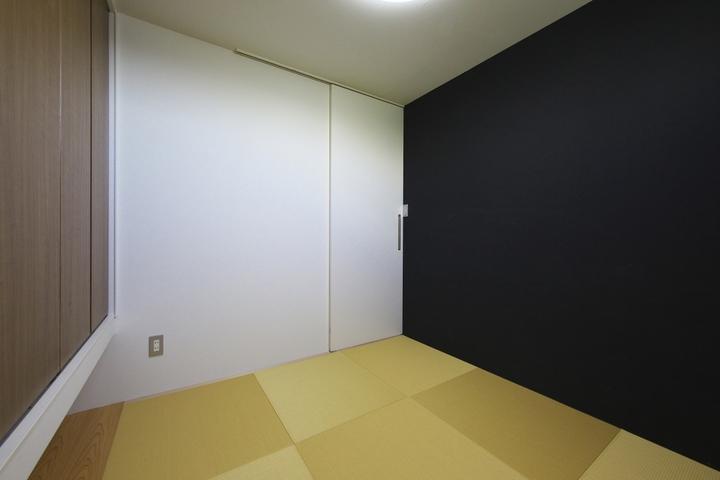 M邸・スタイリッシュな和の家の部屋 シンプルモダンな和室