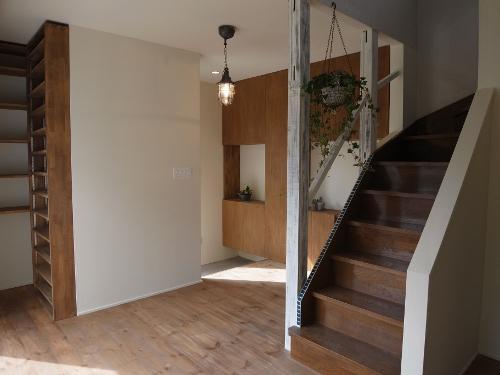 造作家具&プチアンティークの部屋 階段