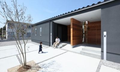 中庭のある平屋の2世帯住宅(愛荘の家)