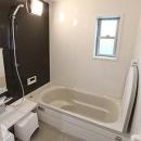 シンプルモダンな浴室