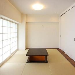 I邸・お洒落な大人の空間 (掘りごたつを据えた畳スペース)