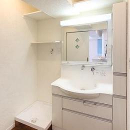 シンプルな洗面脱衣室