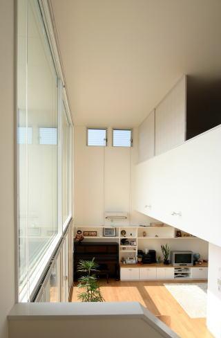 『立体格子の家』光の集まる家の写真 吹き抜け部分