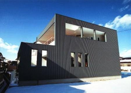 多勢邸・螺旋階段がつなぐ住まいの部屋 シンプルモダンな外観-1