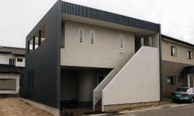 シンプルモダンな外観-2|多勢邸・螺旋階段がつなぐ住まい