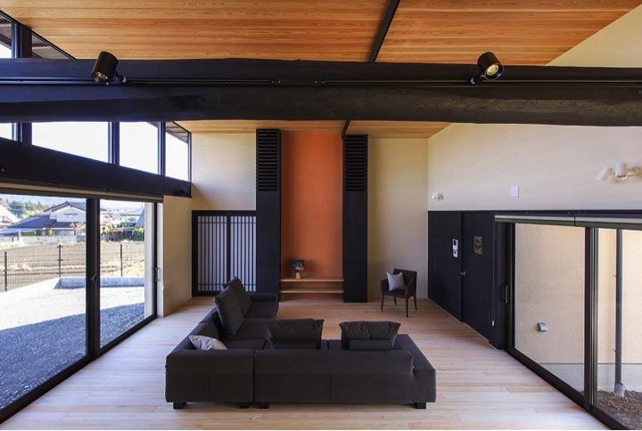 HOUSE YR 『アルプスを臨む家』の部屋 風と光が通り抜けるリビング