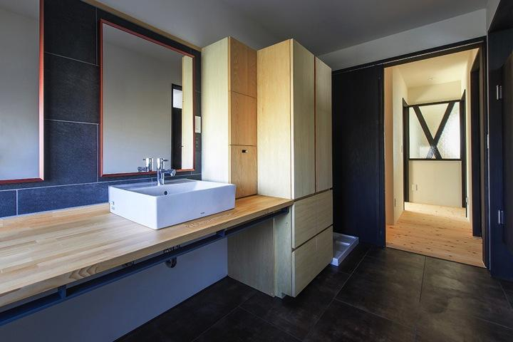 HOUSE YR 『アルプスを臨む家』の部屋 和モダンなサニタリールーム