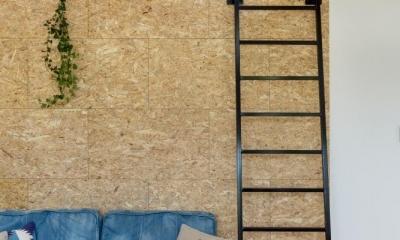 リビング|外にいるような開放的な美容室併用住宅(ヘアーサロンPECOS)