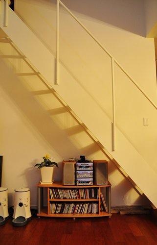 2世帯住宅+エステサロンの併用住宅の部屋 階段下スペース