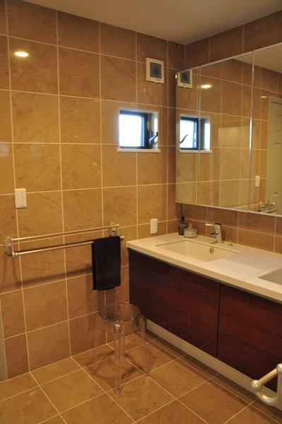 バス/トイレ事例:洗面台(都心の狭小地で3階建て)