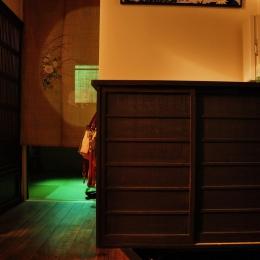 都心の狭小地で京和風の家