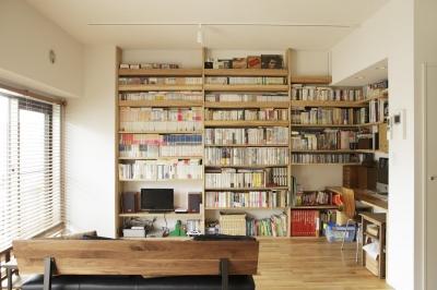 リビング-大容量の壁面収納 (O邸・シンプルナチュラルなあたたかさ)