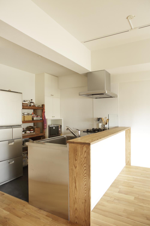 O邸・シンプルナチュラルなあたたかさの部屋 すっきりとした対面式キッチン