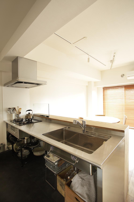 O邸・シンプルナチュラルなあたたかさの部屋 ステンレス製キッチン