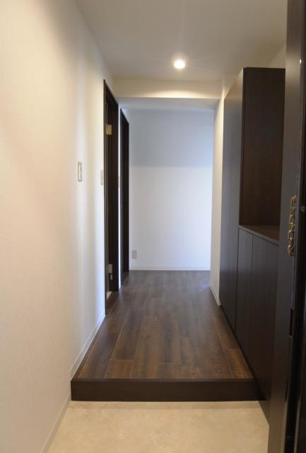 ヴィンテージマンションに住まうの部屋 玄関ホール・廊下