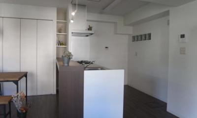 キッチン-ディスプレイ棚|ヴィンテージマンションに住まう