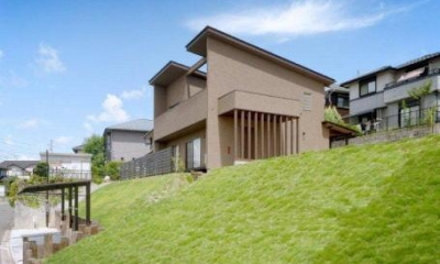 『眺望の家』レトロモダンな住まい (眺望の家-外観2)