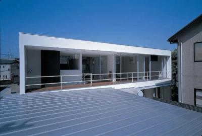 2階テラスを望む (『sukatto』厳しい気候でも活力ある暮らしができる家)