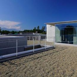 『N Residence』柔らかな光に満たされた二世帯住宅 (屋上)