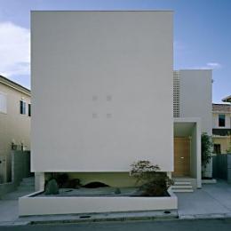 方 庵 (キューブ型白い外観)