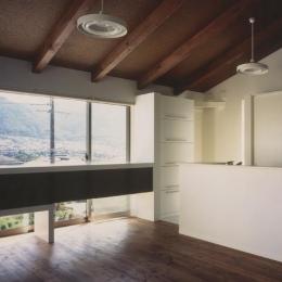Solar Wing (山が見えるダイニングキッチン)