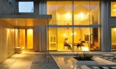 囲み庭の家 La Casa col Cortiletto Interno -by mcja
