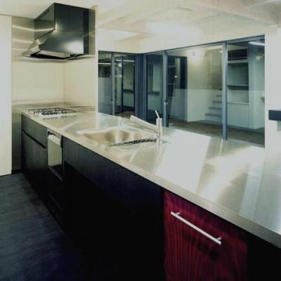 広々としたキッチン (玄の家)