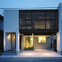 大和郡山の家 (木格子が目を引く外観)