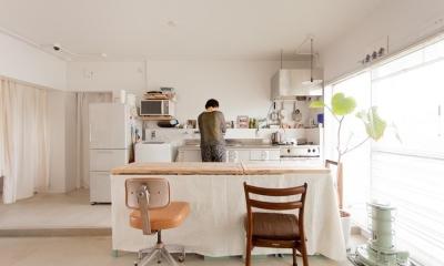 団地リノベーション! レトロなアトリエ空間をリノベーション×DIYで作る (キッチン)