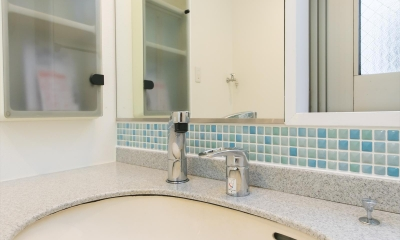 北欧Style+和室=ギャップを楽しむ家。 (洗面室)