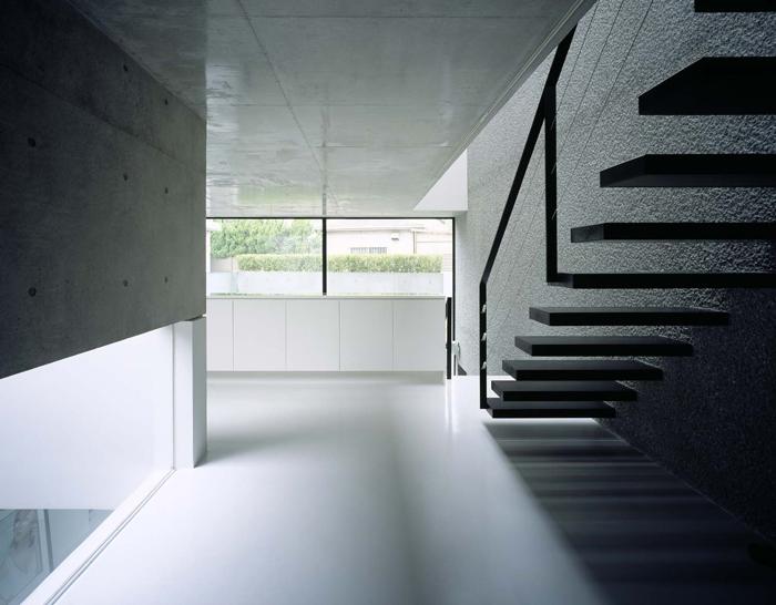 目白の家の部屋 階段