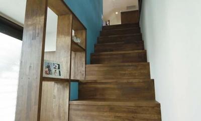 難しい鉄骨造からオープン空間の間取り変更が実現! (階段)