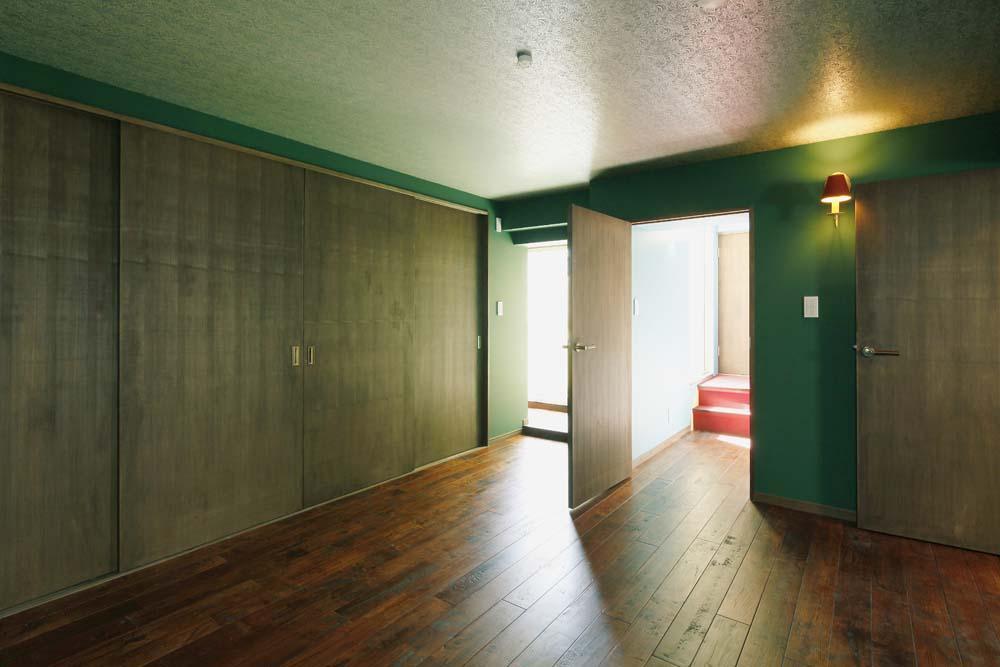 カラフルなクロスで彩ったこだわりの空間 (グリーンの部屋)