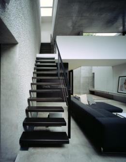 目白の家 (リビング階段)