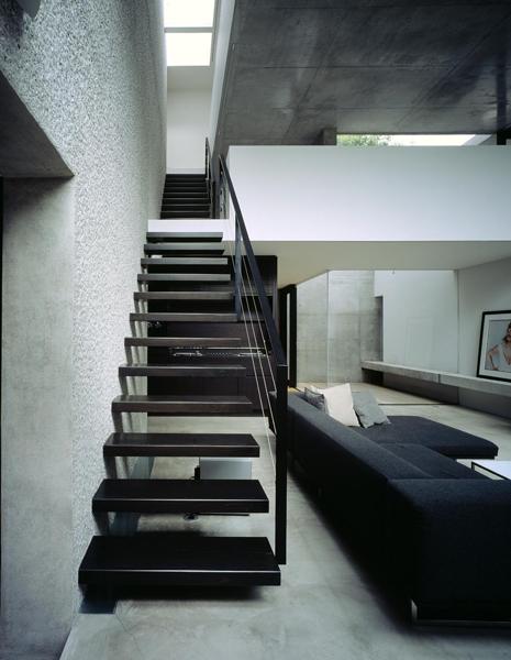 目白の家の部屋 リビング階段