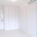 壁も床も白くさわやかに