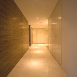 収納の多い廊下