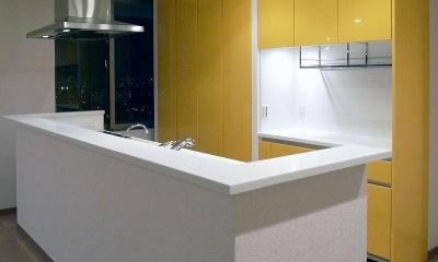 コンパクトなキッチン|リビングを広く