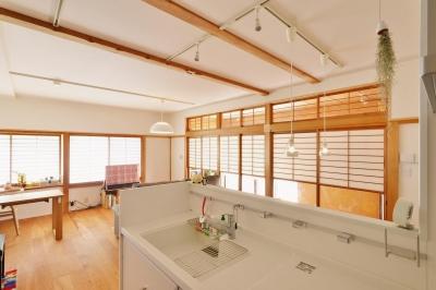 和風住宅 × 北欧ほっこりcolor (キッチンからの眺め)