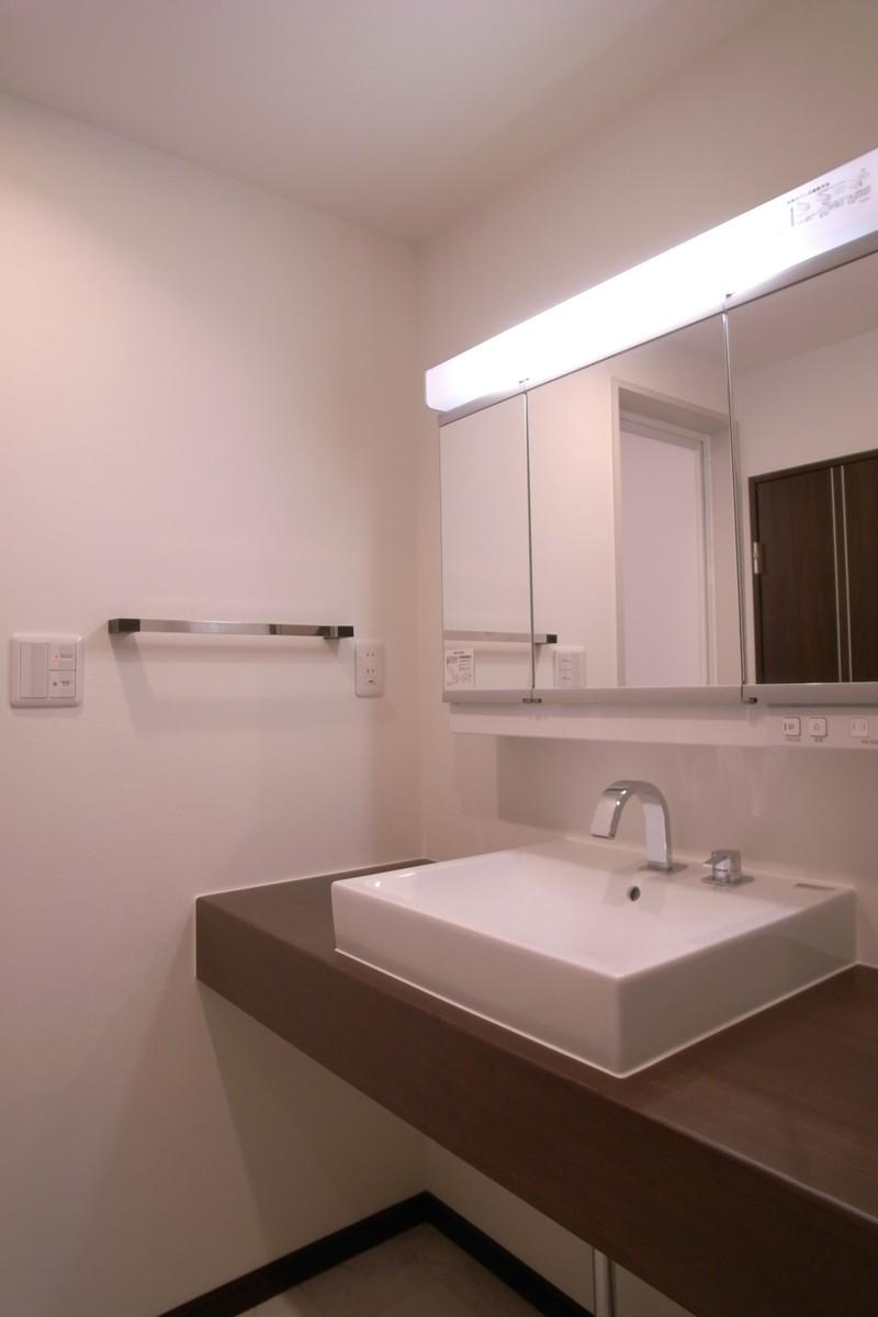 スタイリッシュな雰囲気にの写真 スタイリッシュな洗面台