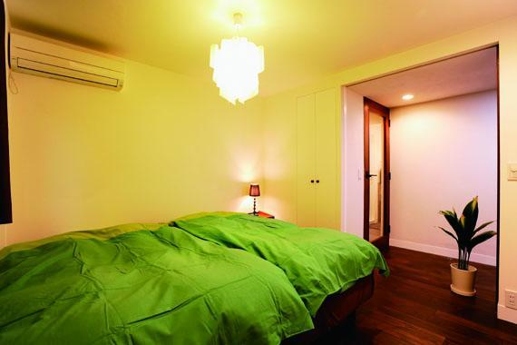 ミッドセンチュリーの家具に合わせた、60's Style提案の部屋 寝室