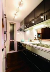 ミッドセンチュリーの家具に合わせた、60's Style提案の部屋 キッチン
