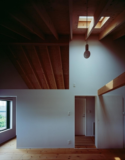 天窓のあるこども部屋 (『蒲郡の家』~土間のダイニングキッチンのある家~)