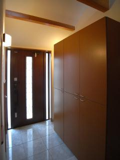 harutaF邸の部屋 シューズボックスのある玄関
