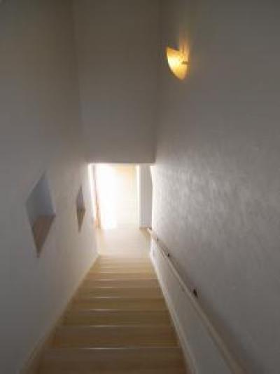 シンプルな階段 (Wak邸)