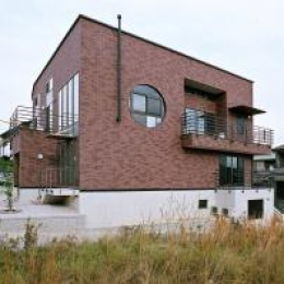O2邸 (RC+木造の混構造の外観)