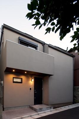 黒皮のソファが似合う家:杉並区K様邸の部屋 外観