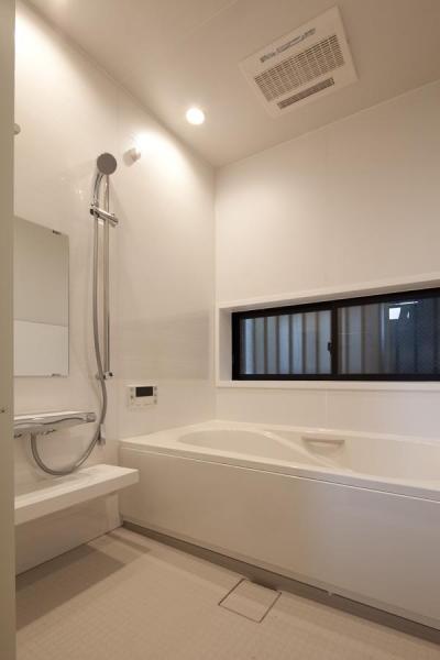 浴室 (黒皮のソファが似合う家:杉並区K様邸)